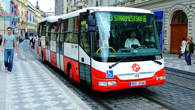 Prága busszal