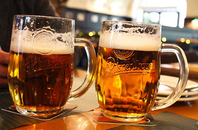 Prága sörözés